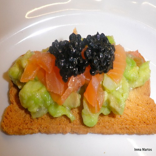 Canapes de salmon y aguacate